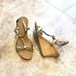 Kenneth Cole golden strappy sandals wedges…
